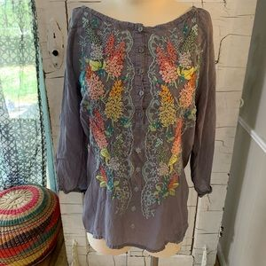 Johnny Was gray rayon embroidered blouse Small